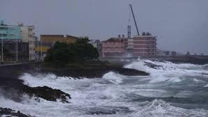 Hurricane Matthew Slams Into Bahamas